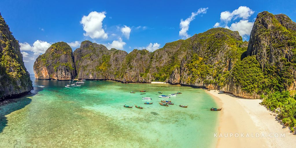 Panorama of Maya beach at Ko Phi Phi Le, Thailand