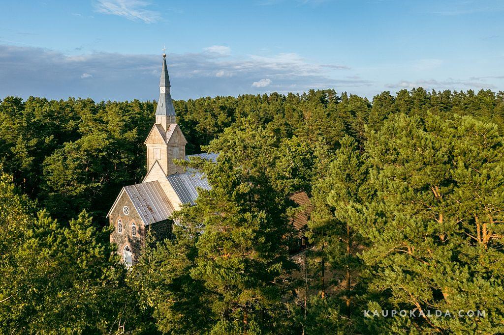 Ruhnu uus kirik